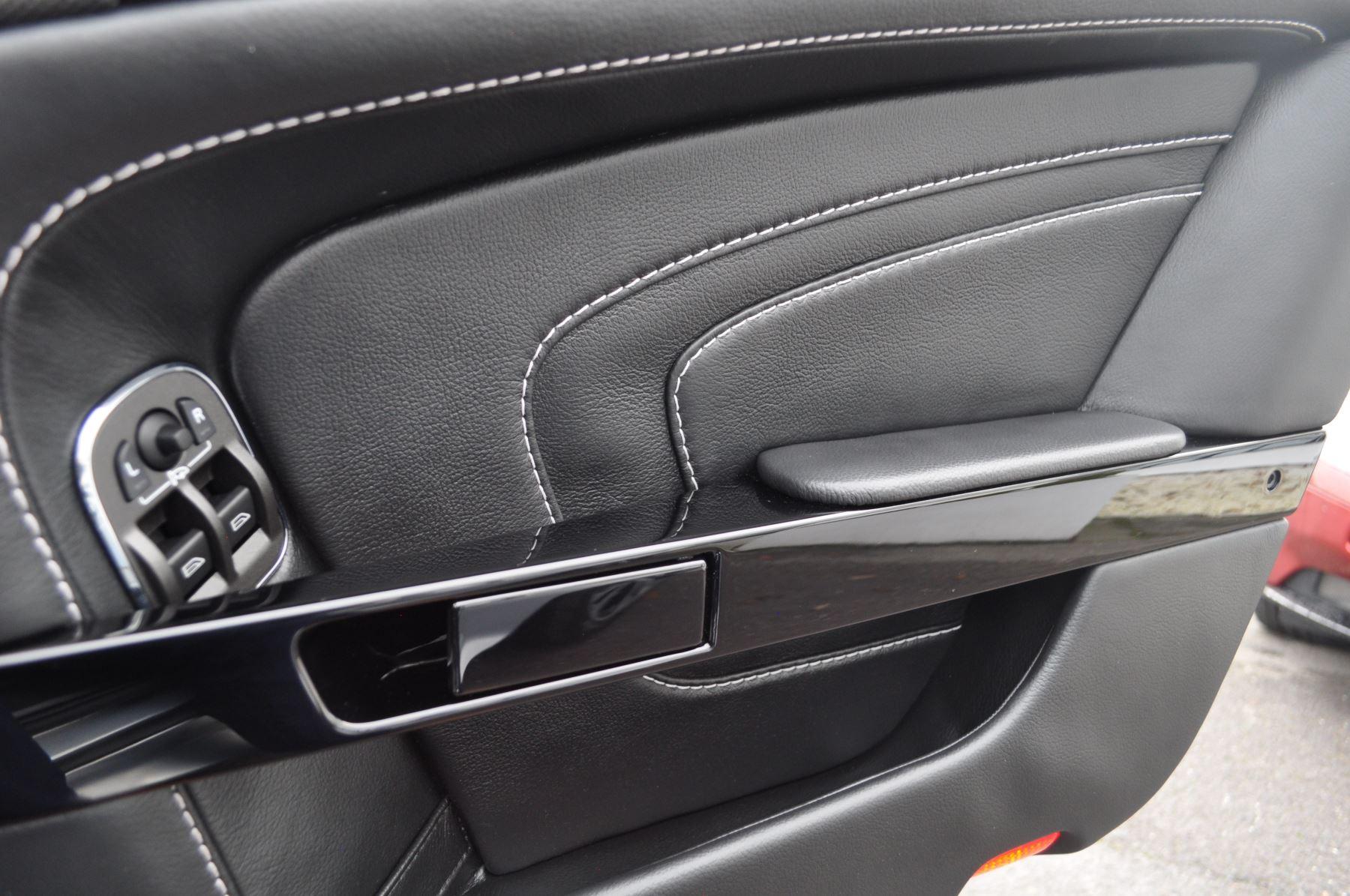Aston Martin V12 Vantage S S 2dr Sportshift III image 29