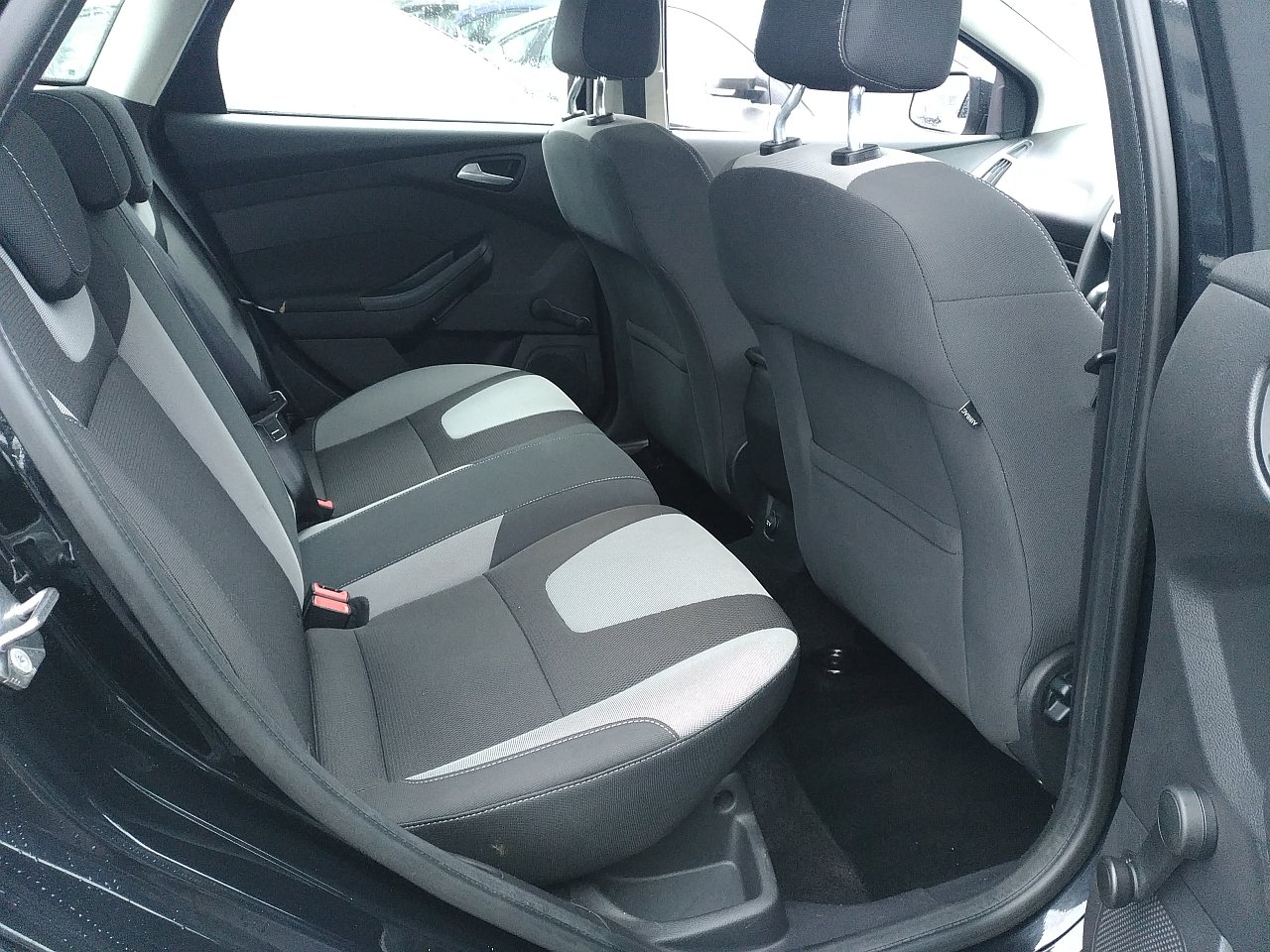 Ford Focus 2.0 TDCi 163 Zetec S 5dr Powershift image 10