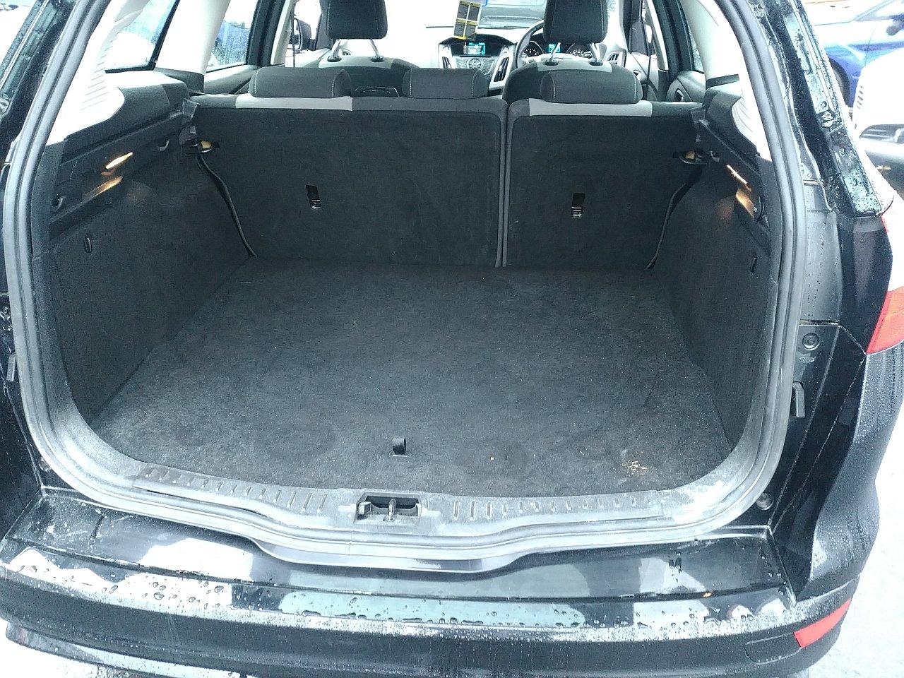 Ford Focus 2.0 TDCi 163 Zetec S 5dr Powershift image 11