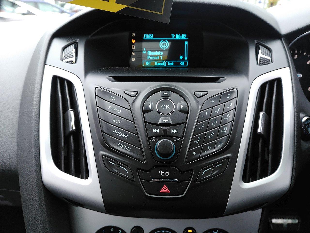 Ford Focus 2.0 TDCi 163 Zetec S 5dr Powershift image 15