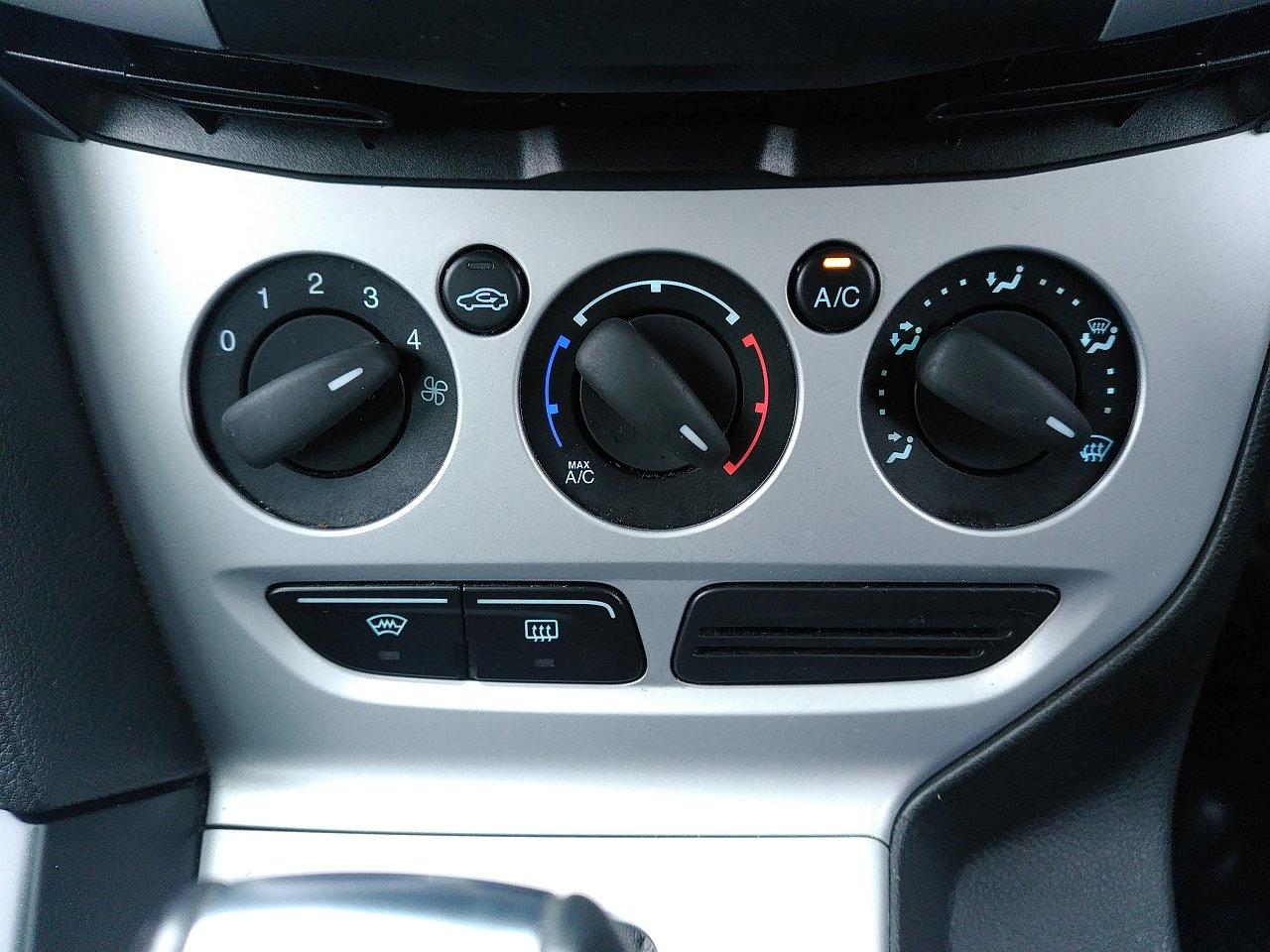 Ford Focus 2.0 TDCi 163 Zetec S 5dr Powershift image 17