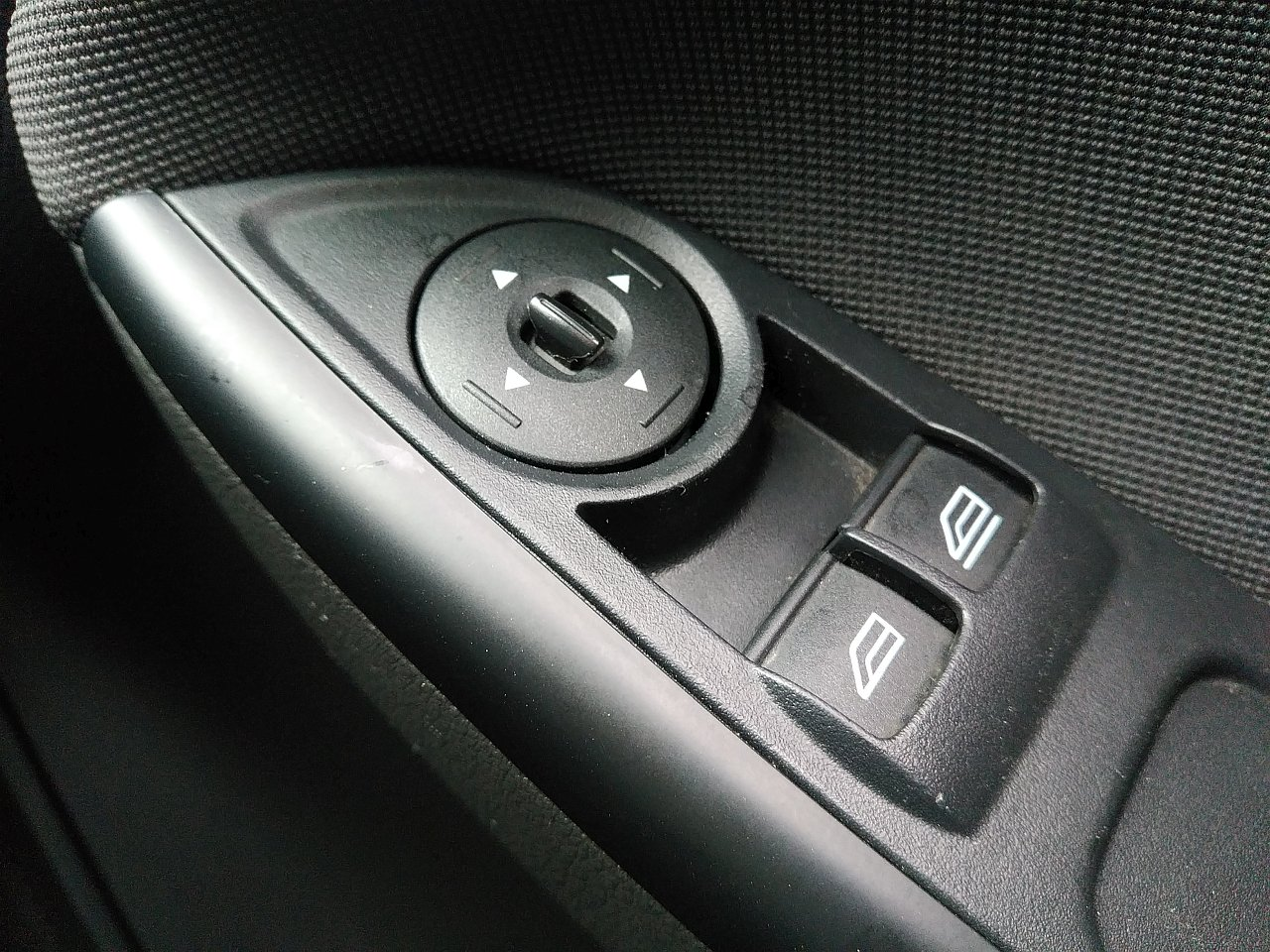 Ford Focus 2.0 TDCi 163 Zetec S 5dr Powershift image 19