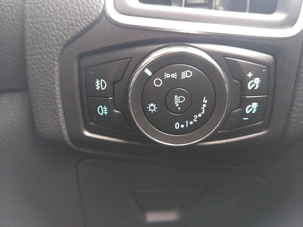 Ford Focus 2.0 TDCi 163 Zetec S 5dr Powershift image 20