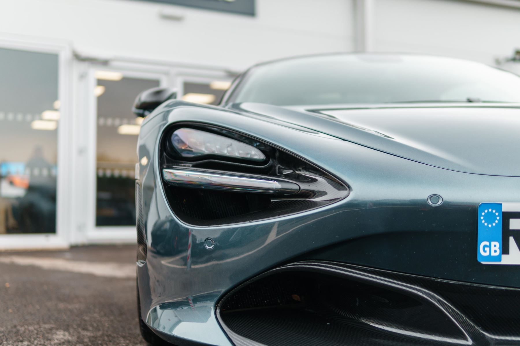 McLaren 720S Performance image 6