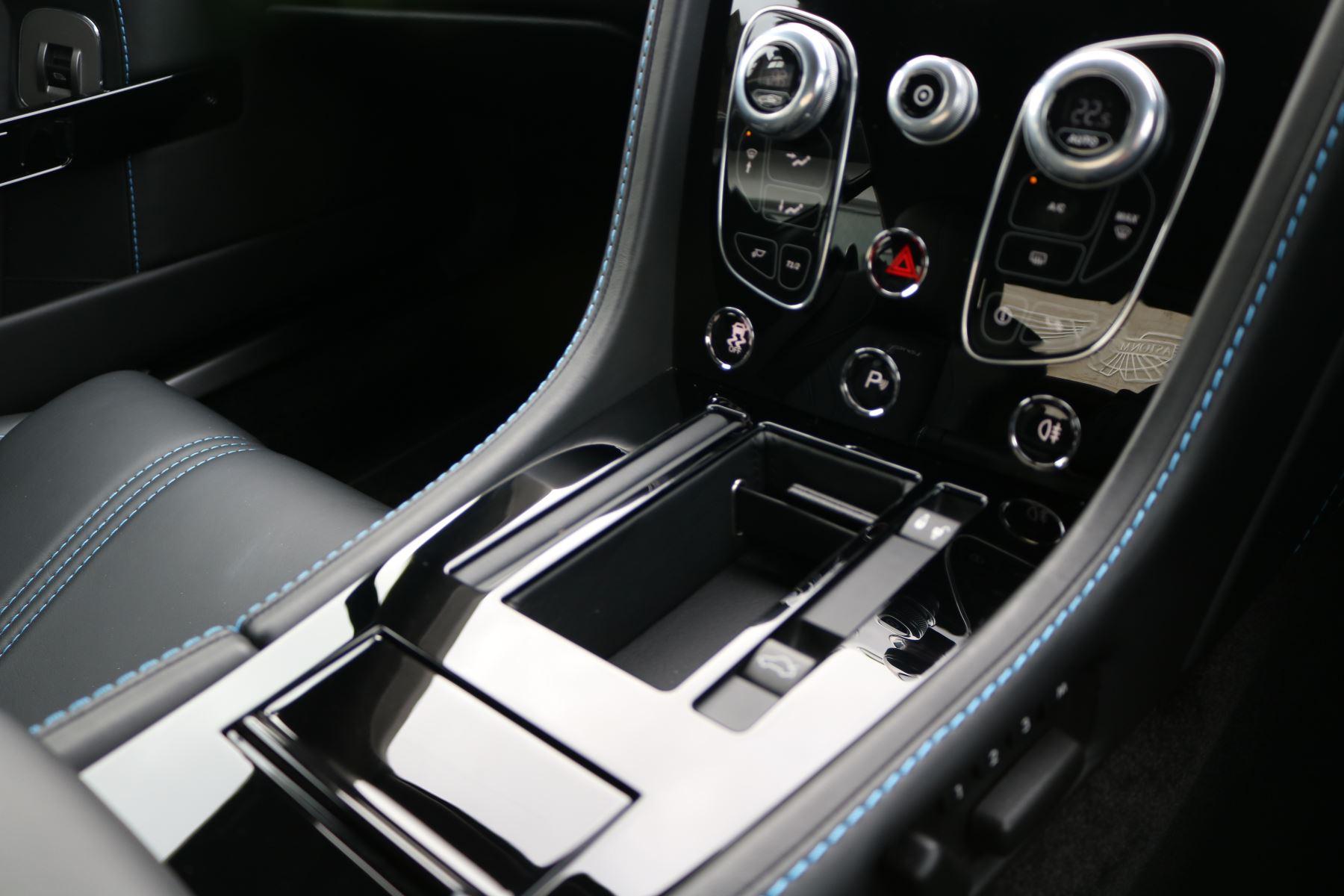 Aston Martin V8 Vantage S S 2dr Sportshift image 17