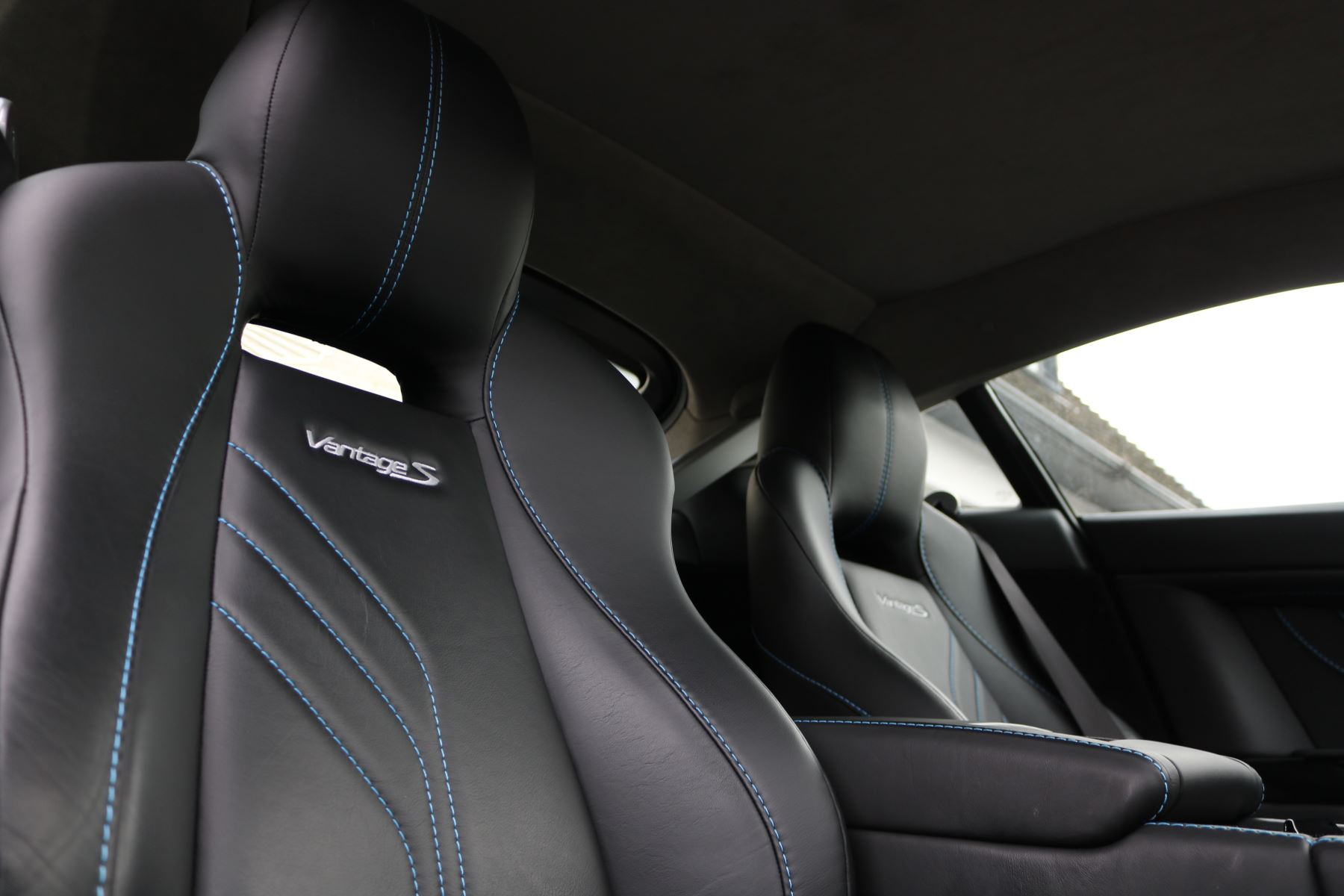 Aston Martin V8 Vantage S S 2dr Sportshift image 23