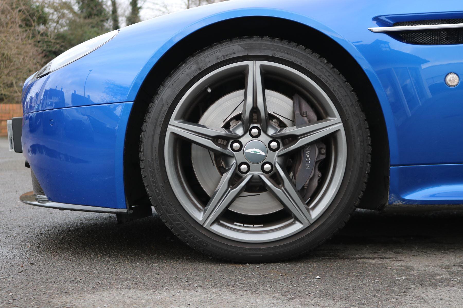 Aston Martin V8 Vantage S S 2dr Sportshift image 13