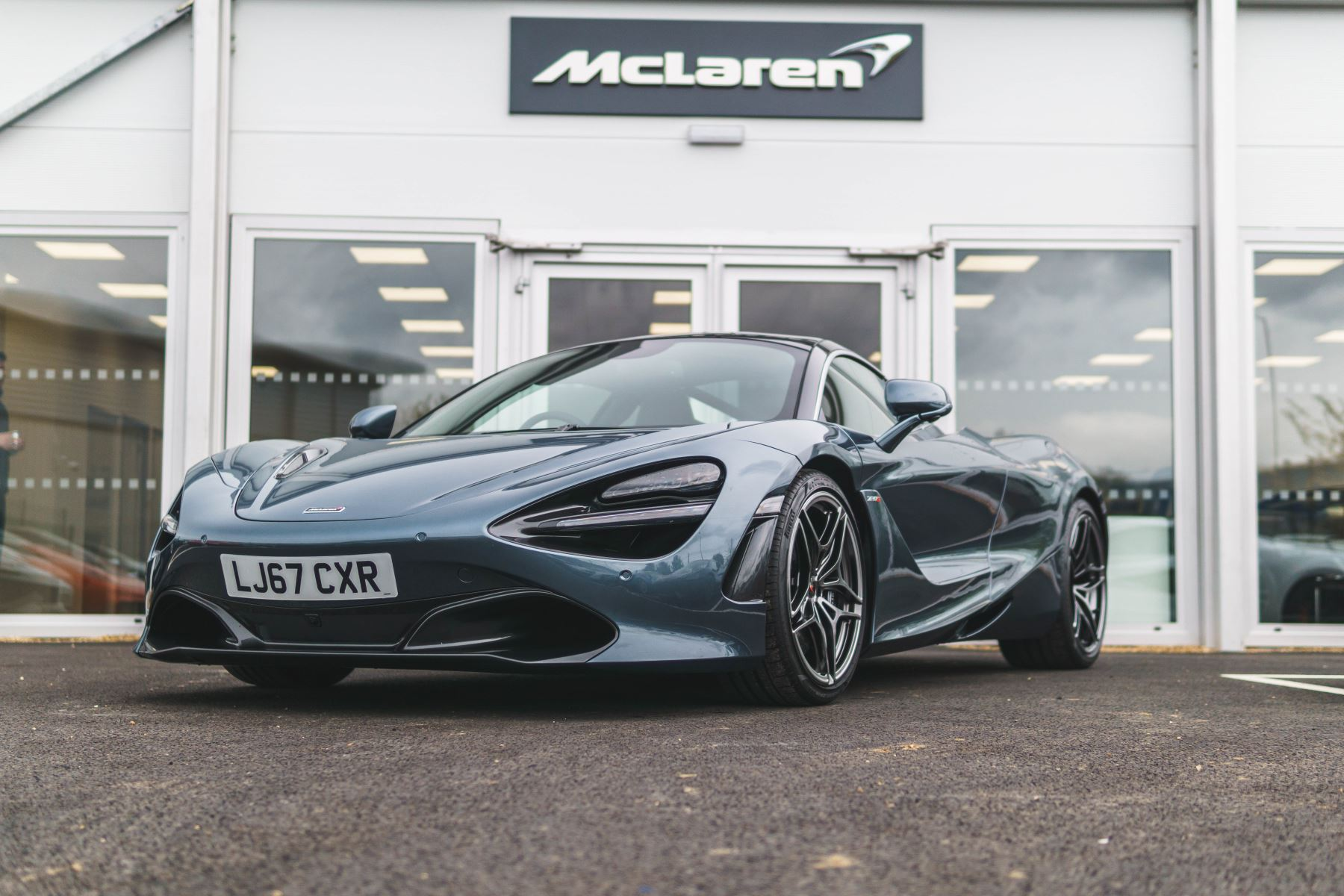 McLaren 720S Luxury 2 door Coupe (2017) image