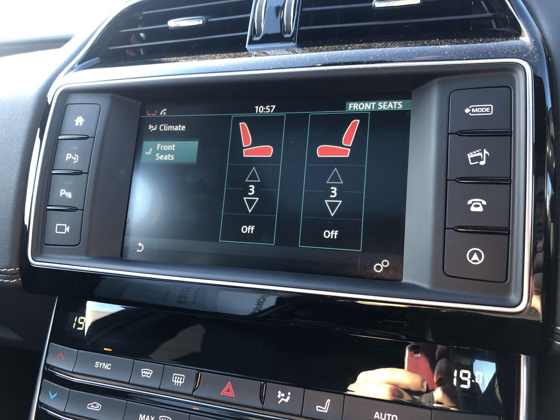 Jaguar XE 3.0 [380] V6 Supercharged S image 14