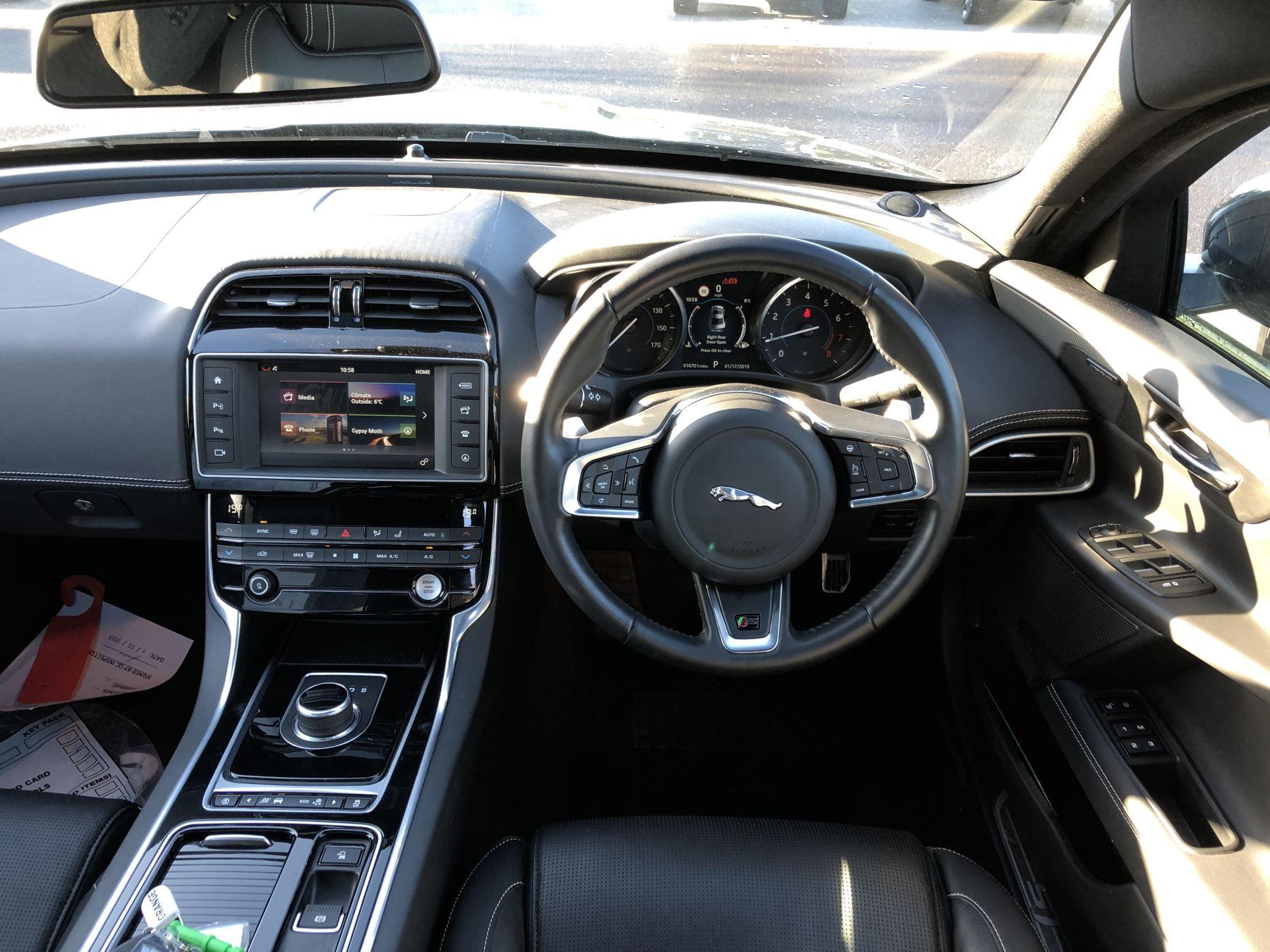 Jaguar XE 3.0 [380] V6 Supercharged S image 19