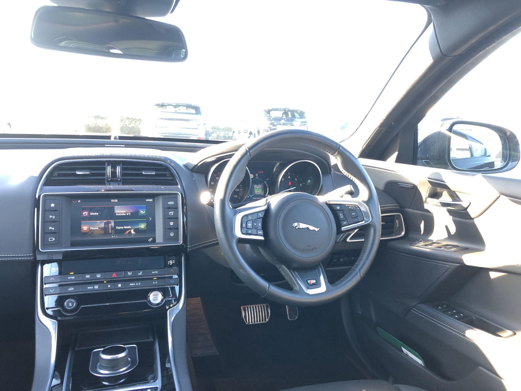 Jaguar XE 3.0 [380] V6 Supercharged S image 20