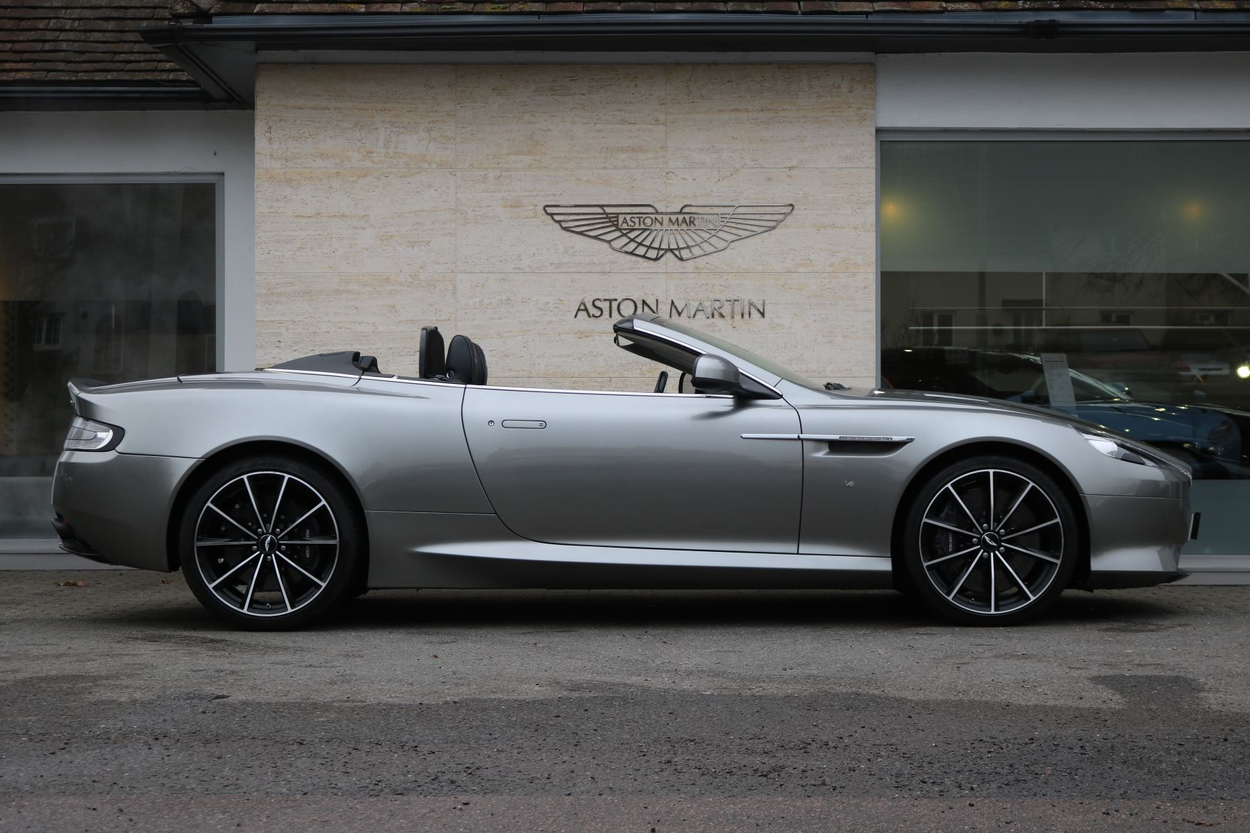aston martin db9 v12 gt 2dr volante touchtronic 5.9 automatic