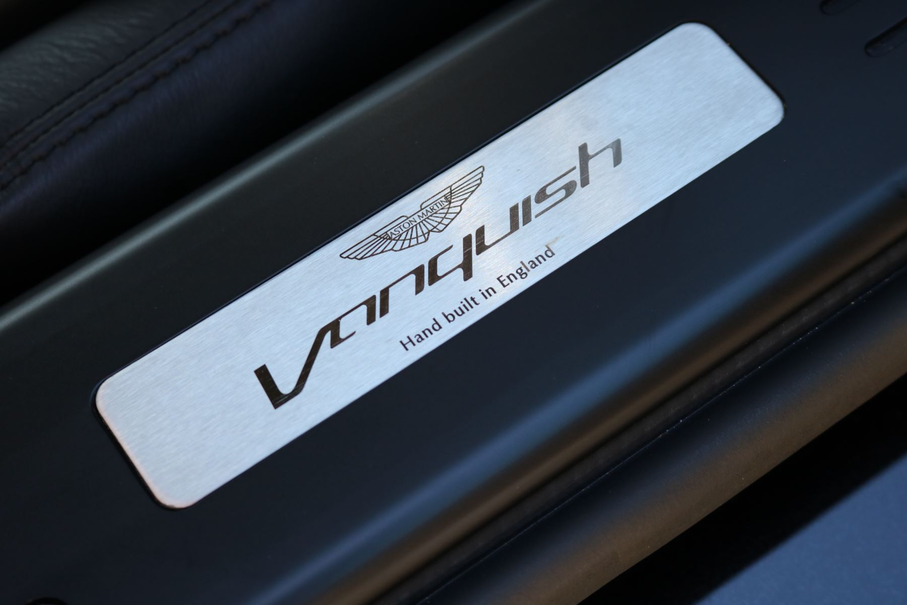 Aston Martin Vanquish V12 [568] 2+2 2dr Touchtronic 8 speed Carbon 17 Model Year Apple Car Play  image 4