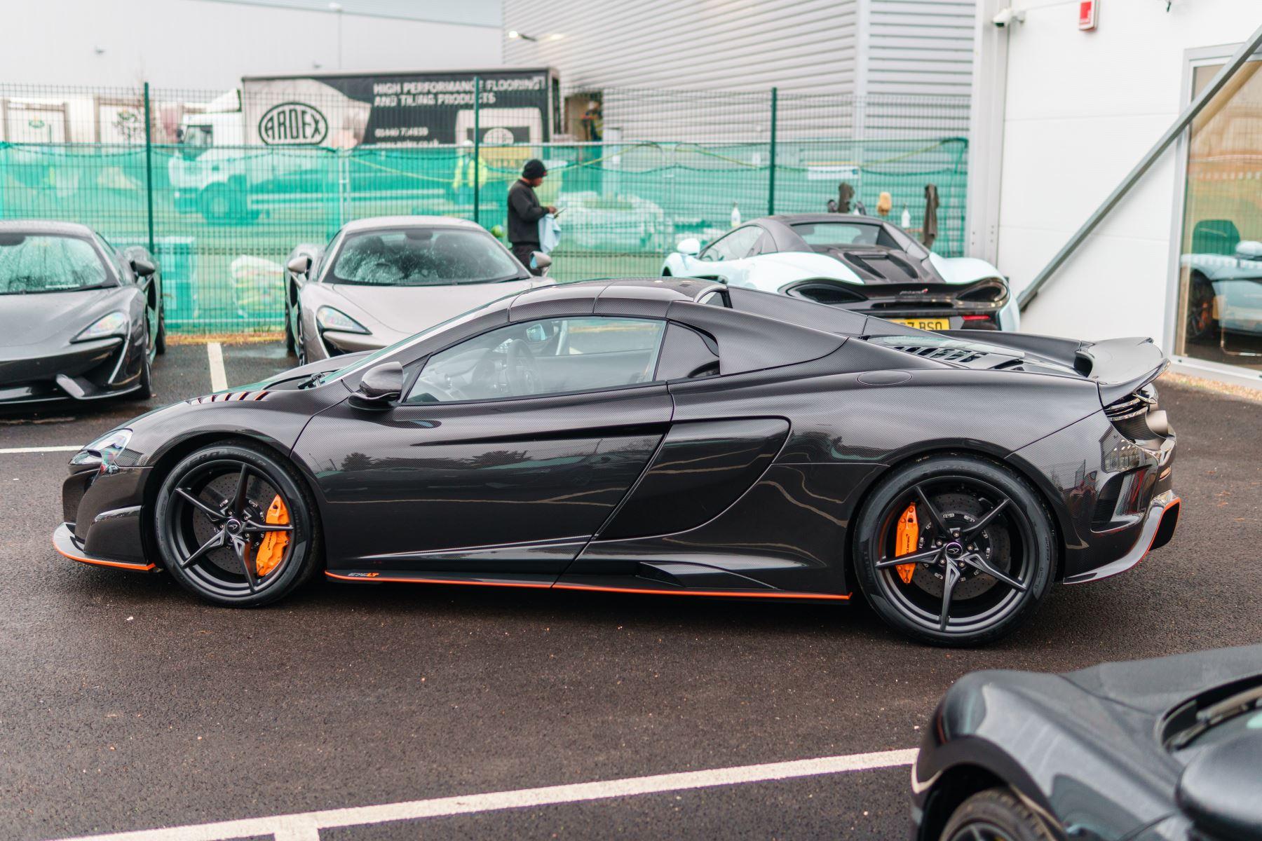 McLaren 675LT Spider MSO Carbon Series image 3