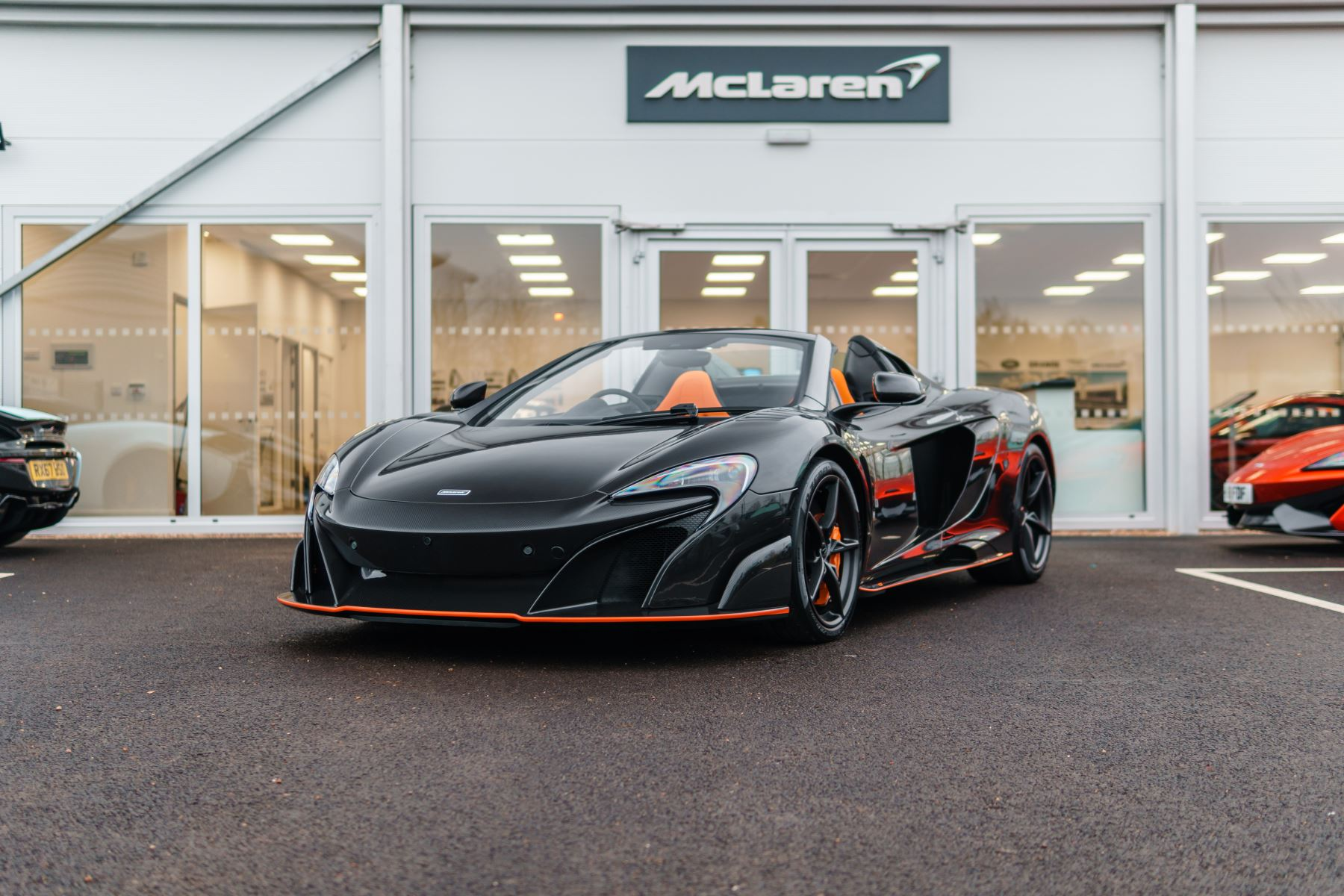 McLaren 675LT Spider MSO Carbon Series image 21