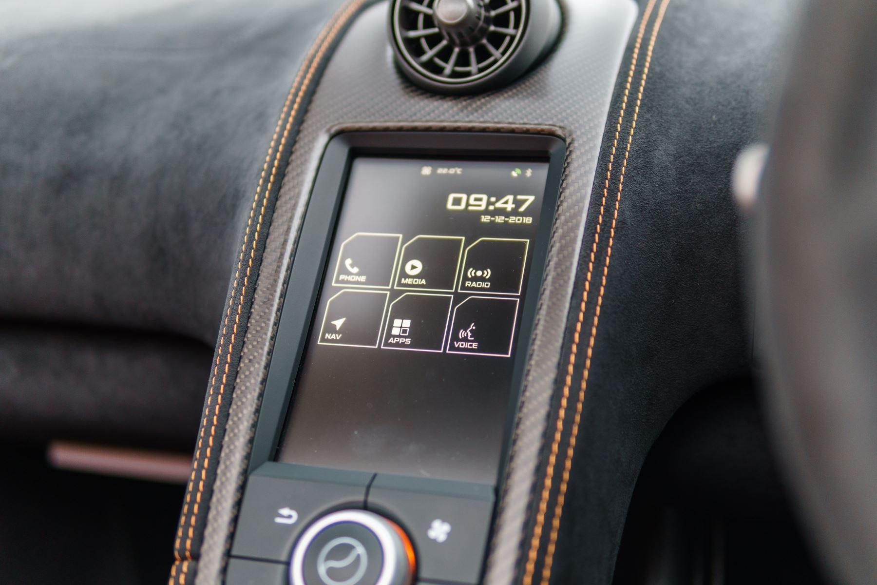 McLaren 675LT Spider MSO Carbon Series image 34