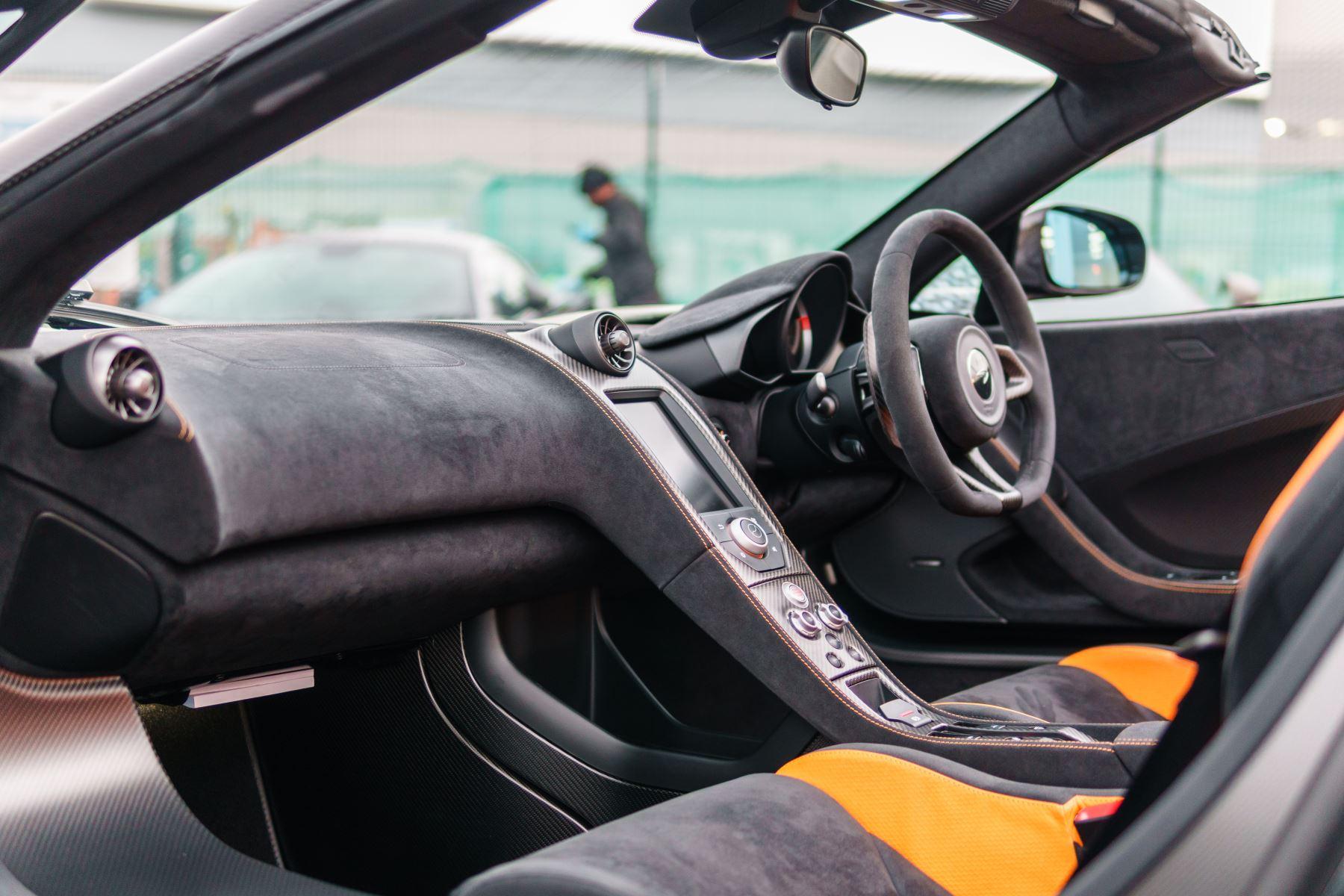 McLaren 675LT Spider MSO Carbon Series image 54
