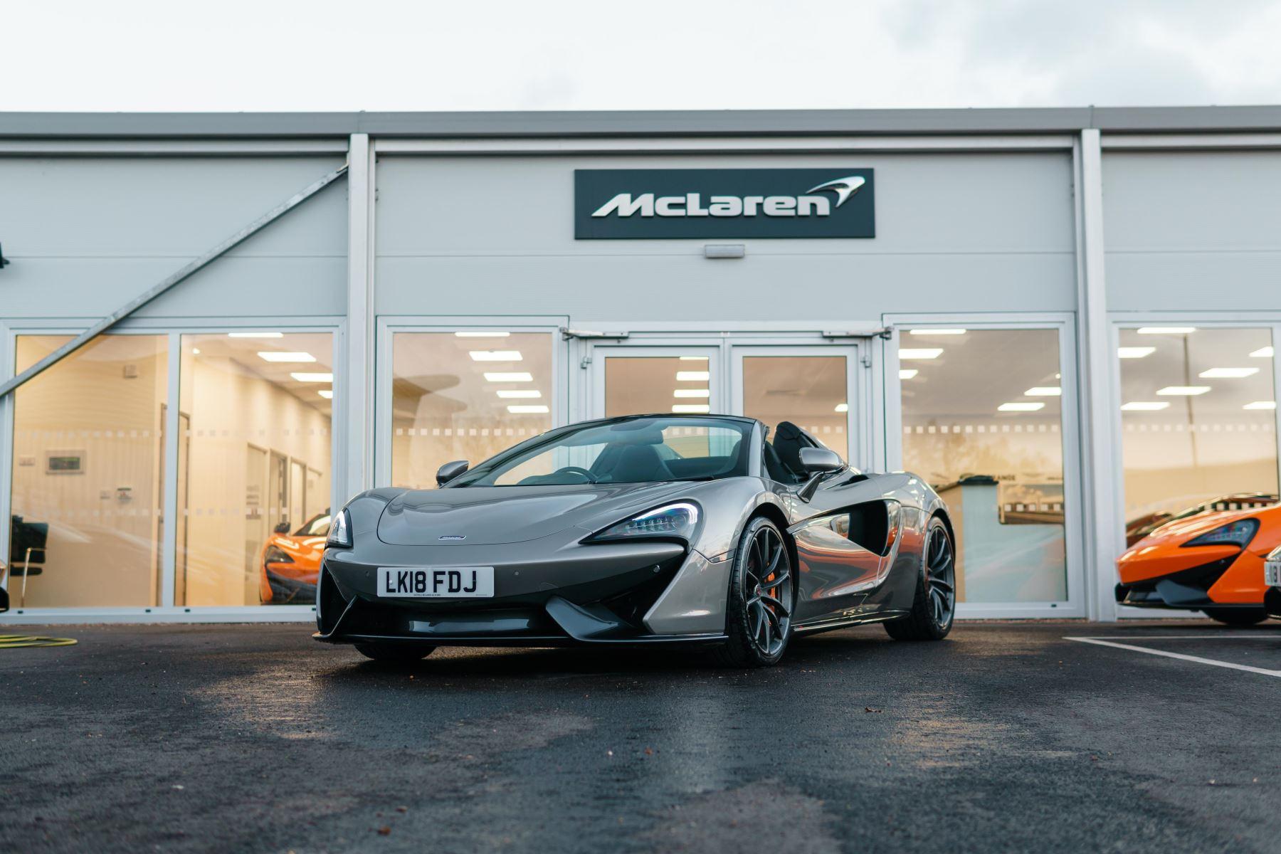 McLaren 570S Spider Spider Semi-Automatic 2 door Convertible (2018) image