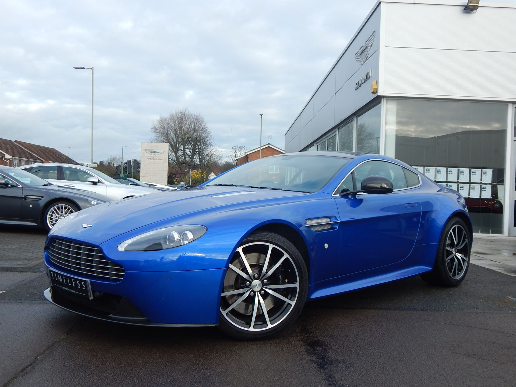 Aston Martin V8 Vantage S Coupe S 2dr Sportshift 4.7 Automatic 3 door Coupe (2015) image