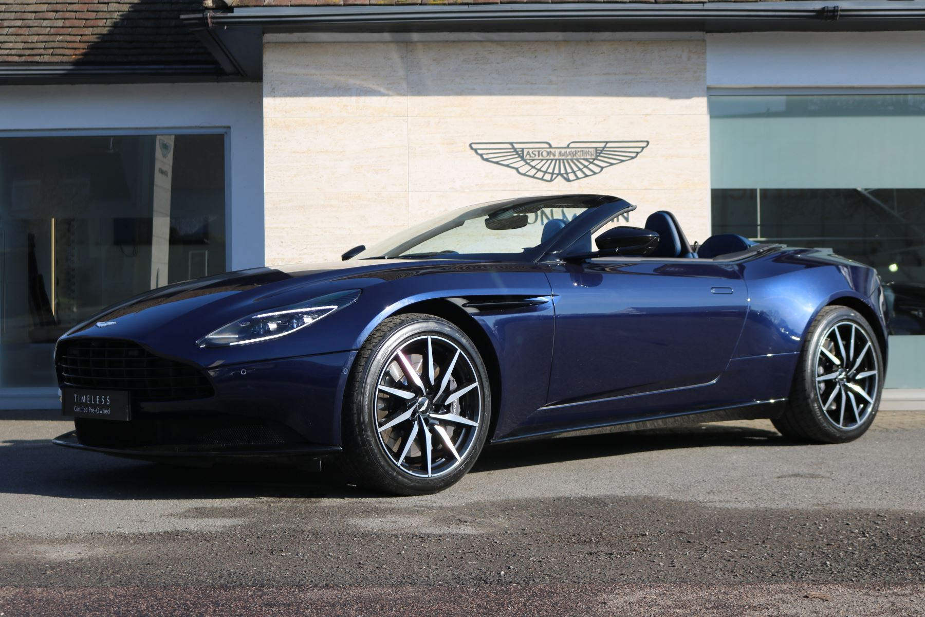 Aston Martin DB11 V8 Volante 2dr Touchtronic 4.0 Automatic Convertible (2019) image