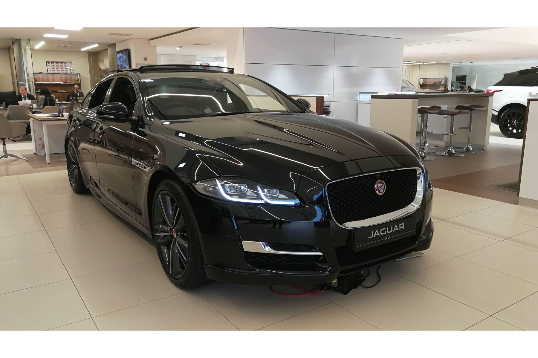 Jaguar XJ 3.0d V6 R-Sport Diesel Automatic 4 door Saloon (2018) image
