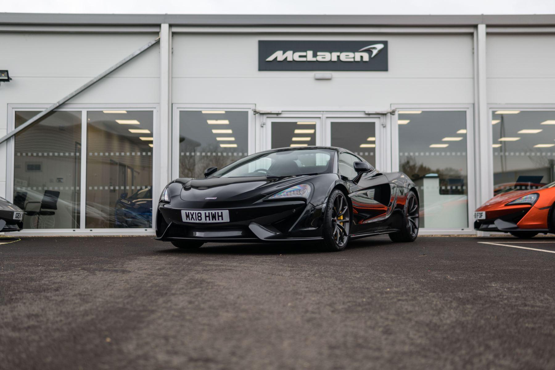 McLaren 570S Spider Spider 3.8 Semi-Automatic 2 door Convertible (2018) image