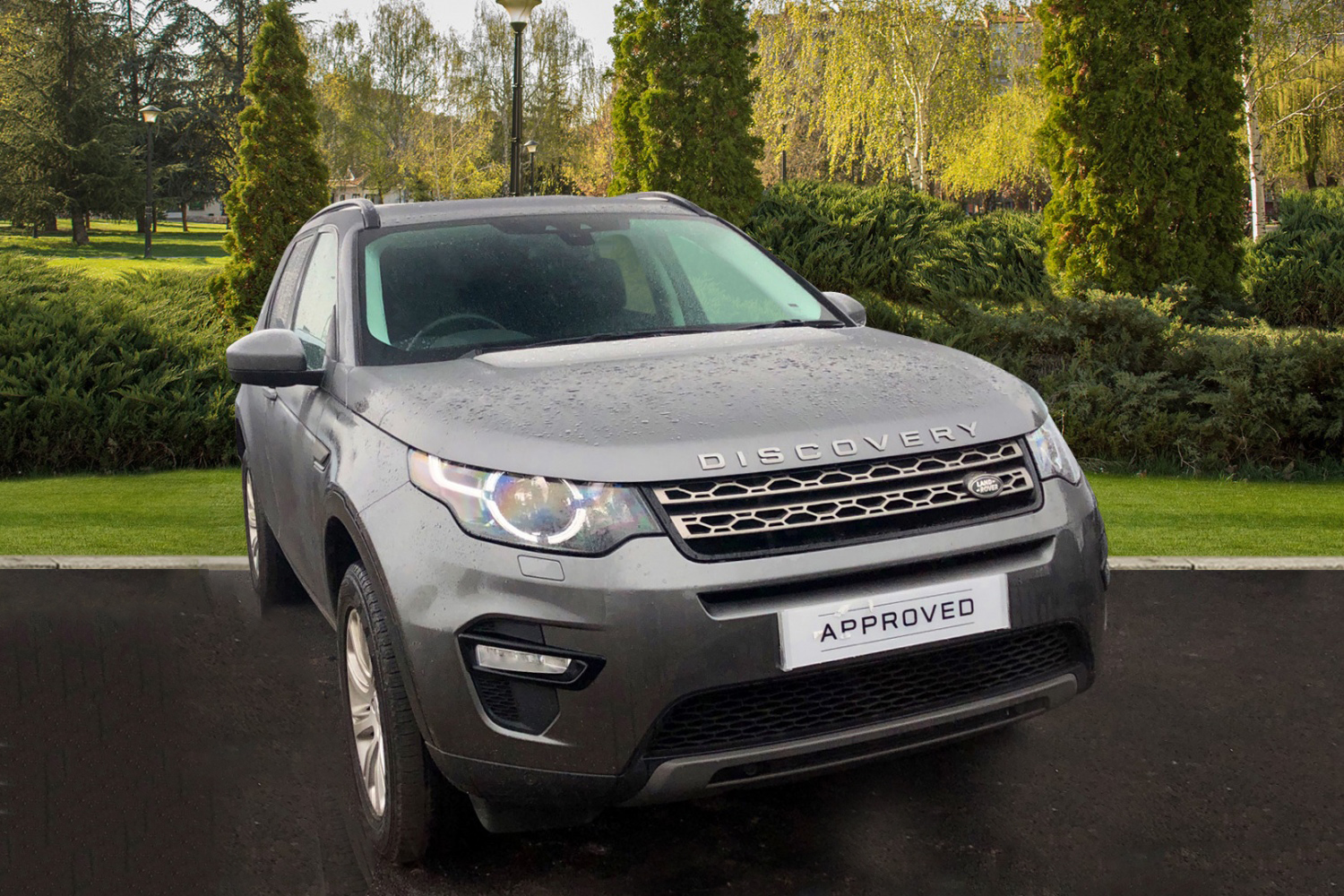 Land Rover Discovery Sport 2.0 TD4 SE TECH Diesel 5 door 4x4 (2016) image