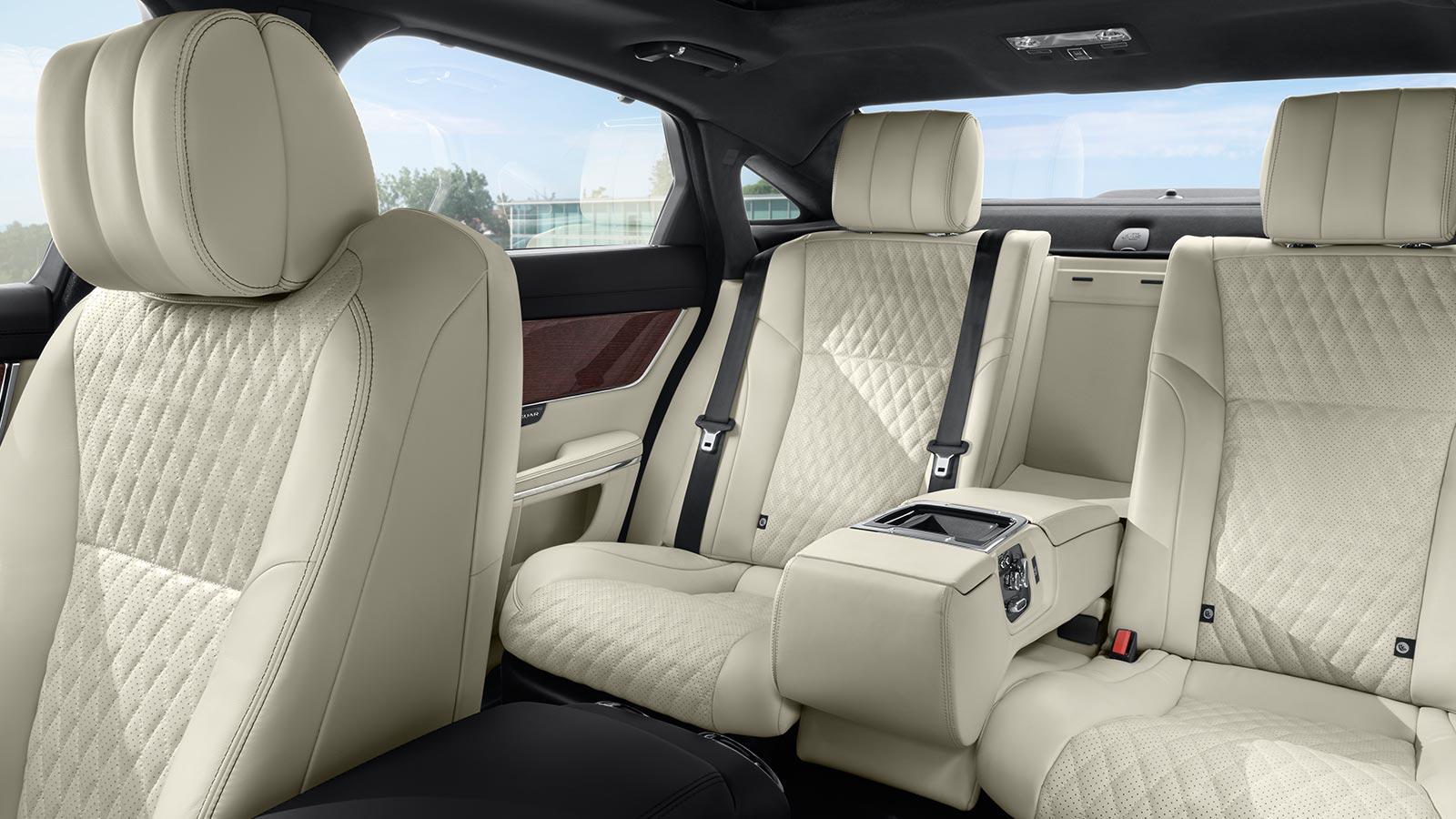 Jaguar XJ 3.0d V6 Portfolio image 10