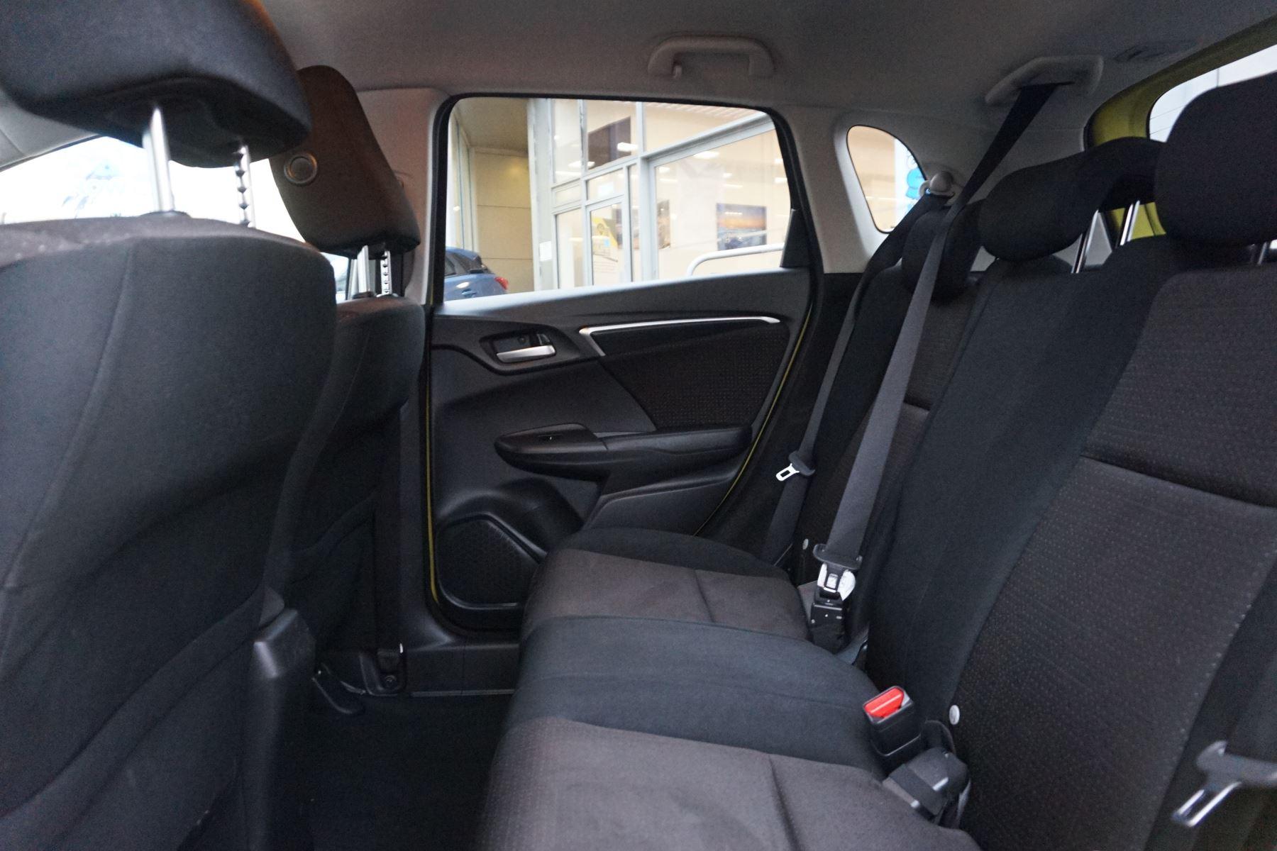 Honda Jazz 1.3 EX 5dr image 8