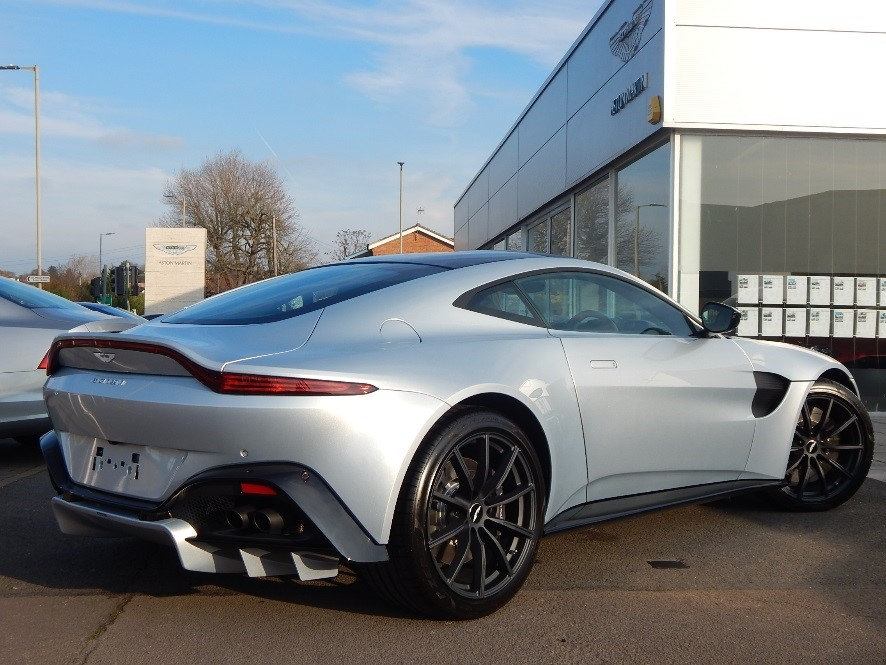 Aston Martin New Vantage ZF 8 Speed image 2