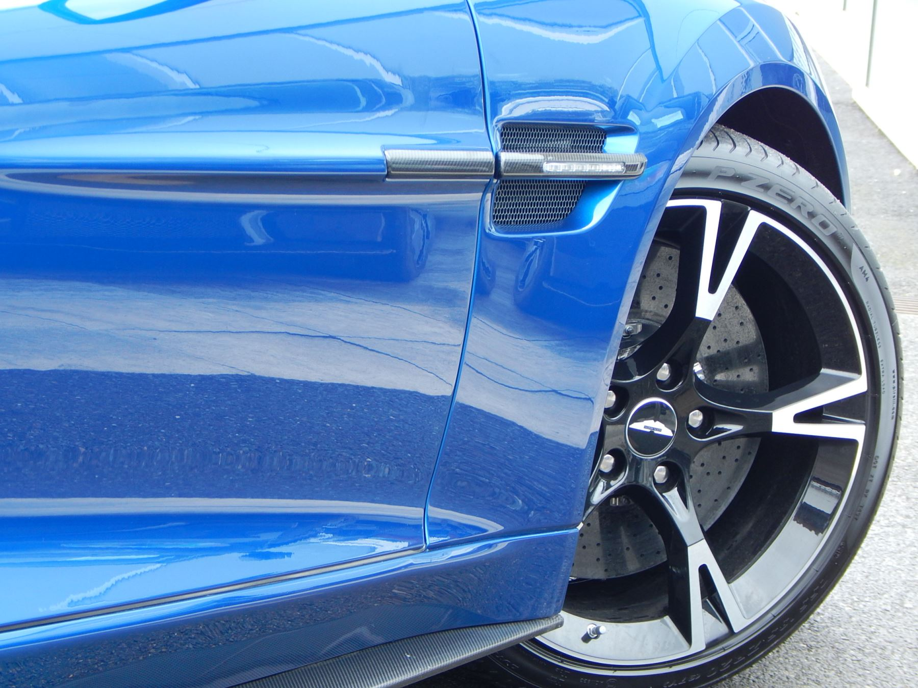 Aston Martin Vanquish V12 [595] S 2+2 2dr Touchtronic image 23