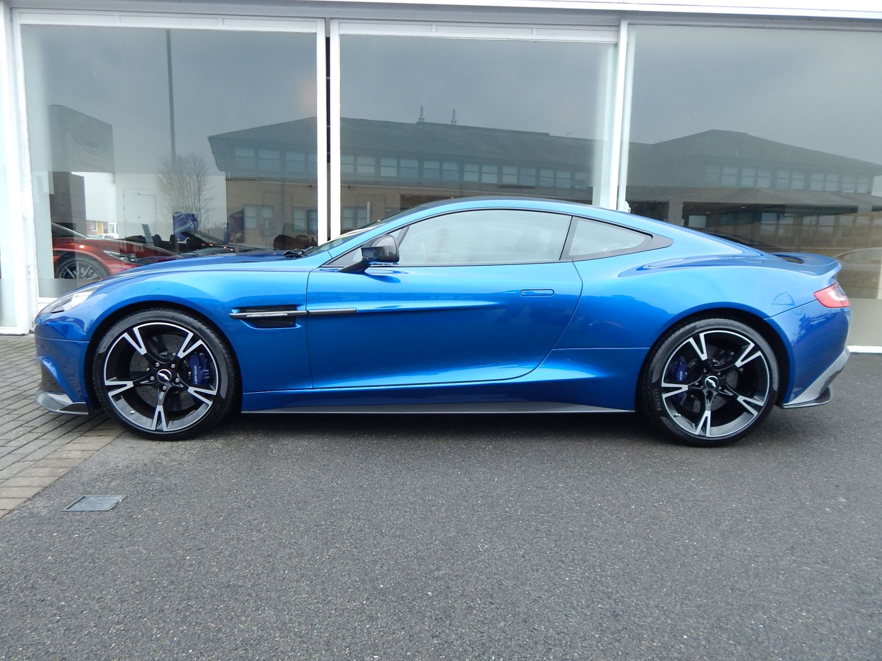 Aston Martin Vanquish V12 [595] S 2+2 2dr Touchtronic image 9