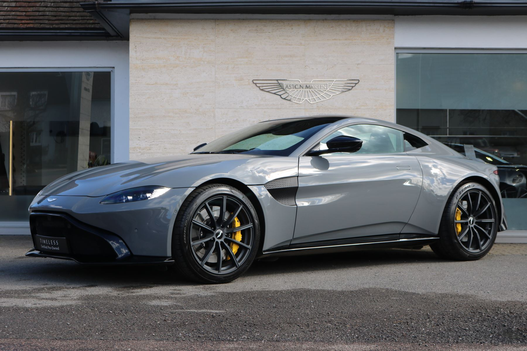 Aston Martin V8 Vantage Coupe 2dr ZF 8 Speed 4.0 Automatic 3 door Coupe (2018) image
