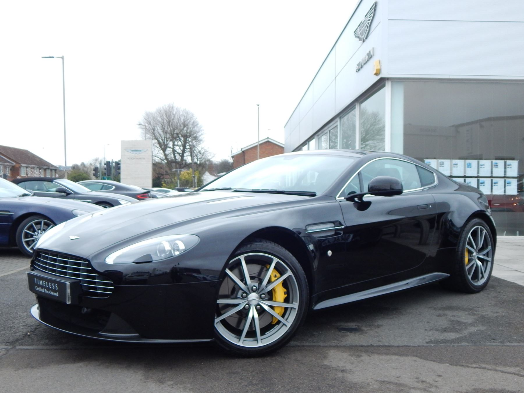 Aston Martin V8 Vantage S Coupe S 2dr Sportshift 4.7 Automatic 3 door Coupe (2016.5) image