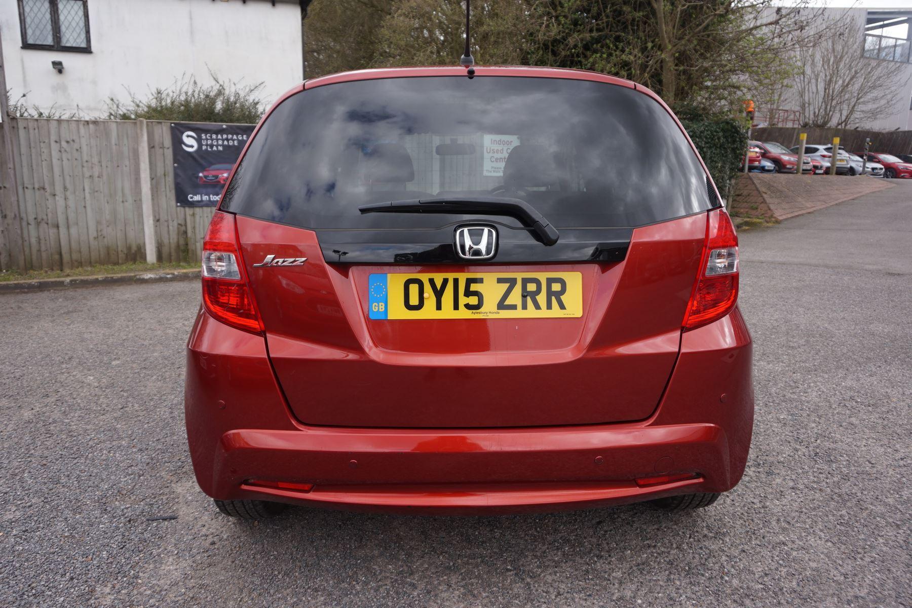 Honda Jazz 1.4 i-VTEC ES Plus CVT image 4