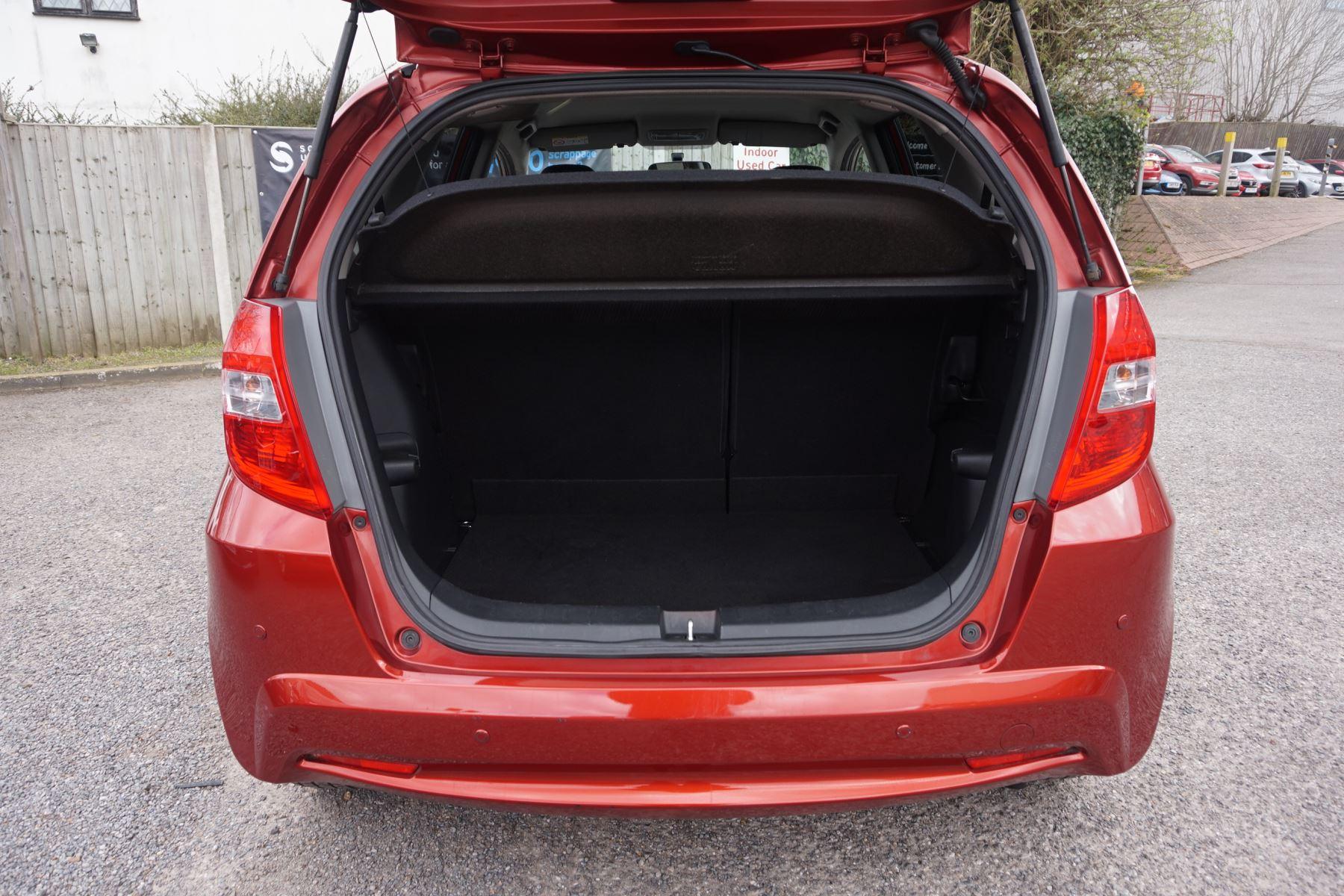 Honda Jazz 1.4 i-VTEC ES Plus CVT image 6