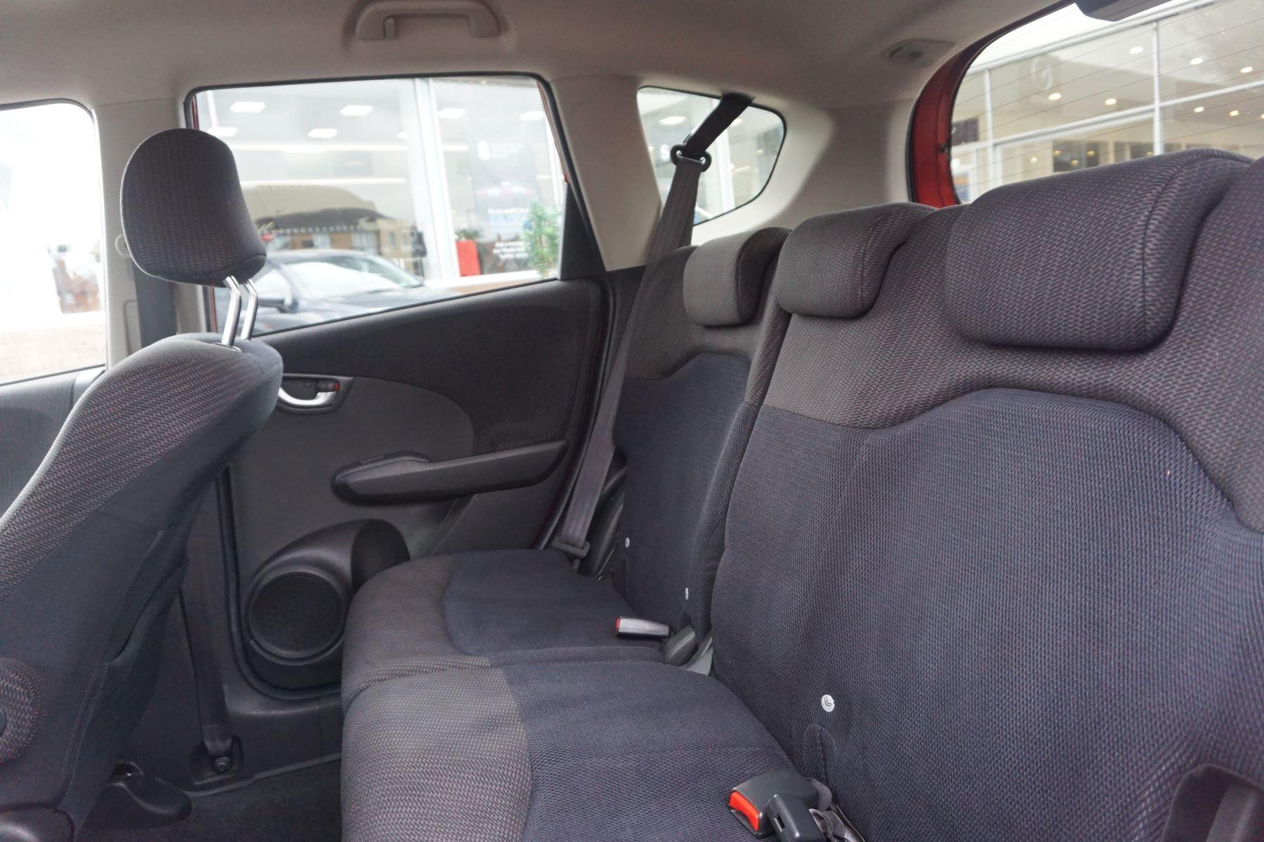 Honda Jazz 1.4 i-VTEC ES Plus CVT image 9