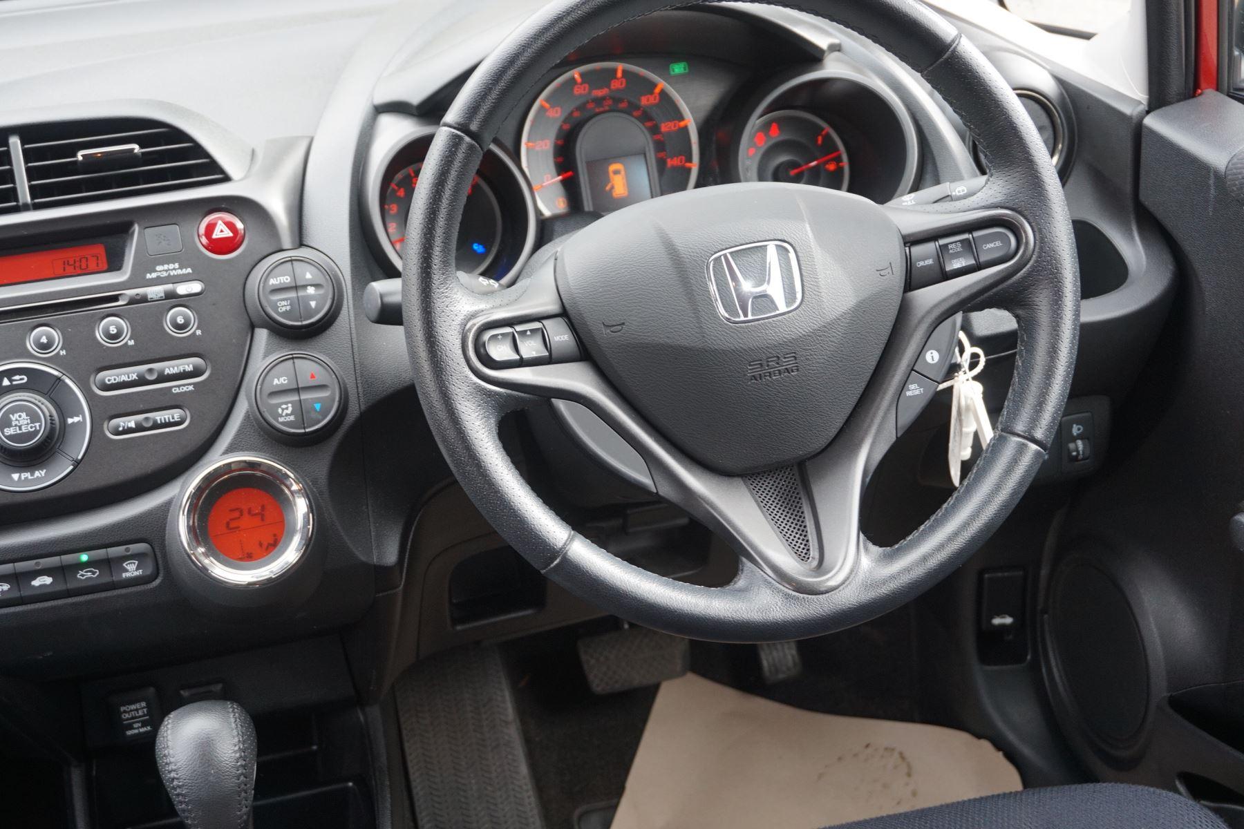 Honda Jazz 1.4 i-VTEC ES Plus CVT image 14