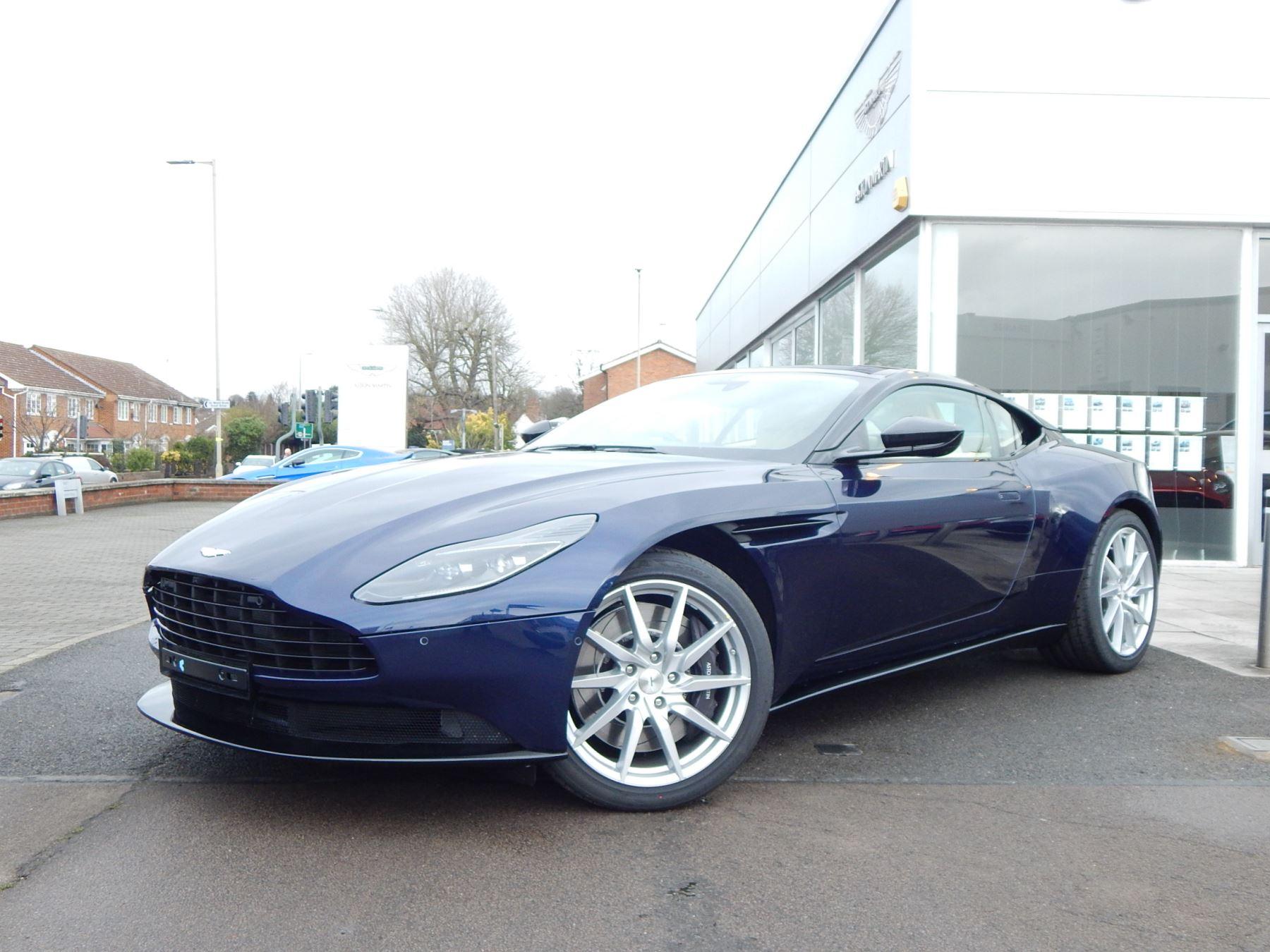 Aston Martin DB11 V8 Touchtronic image 7