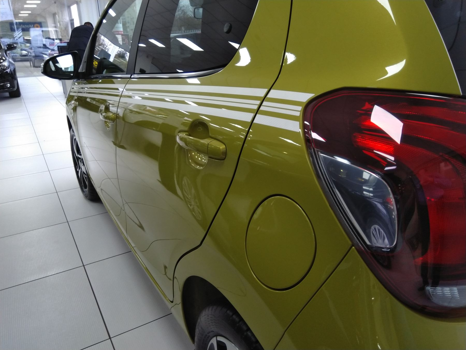 Peugeot 108 1.0 Collection image 9