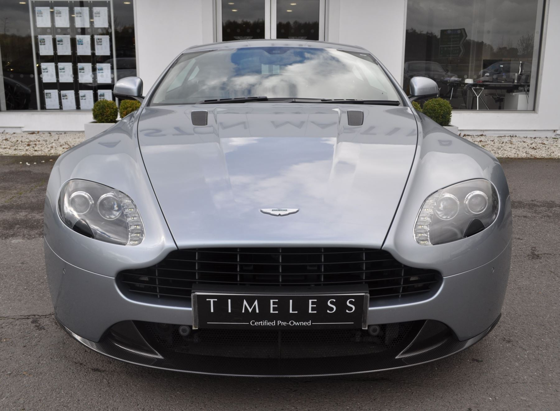 Aston Martin V8 Vantage S Coupe Coupe image 15