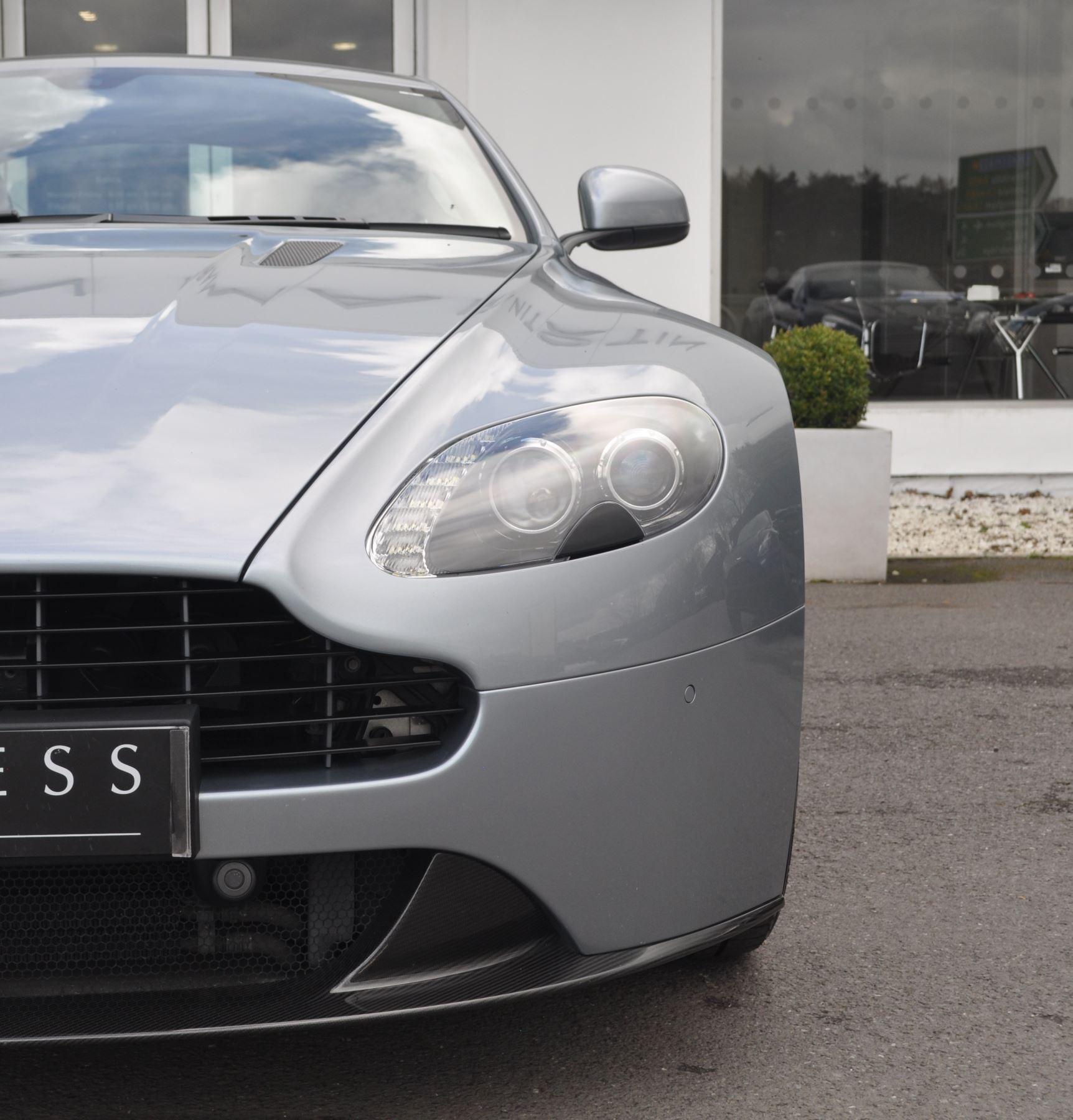 Aston Martin V8 Vantage S Coupe Coupe image 16