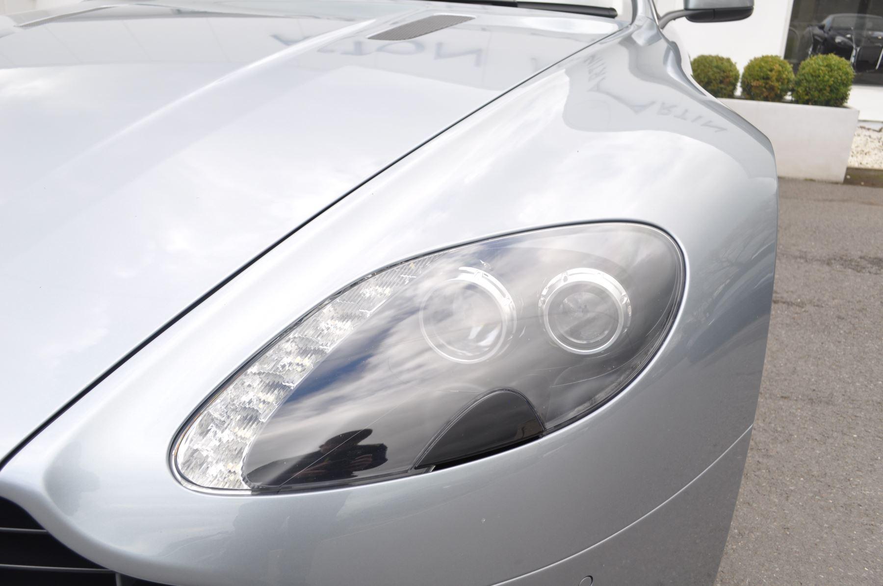 Aston Martin V8 Vantage S Coupe Coupe image 18