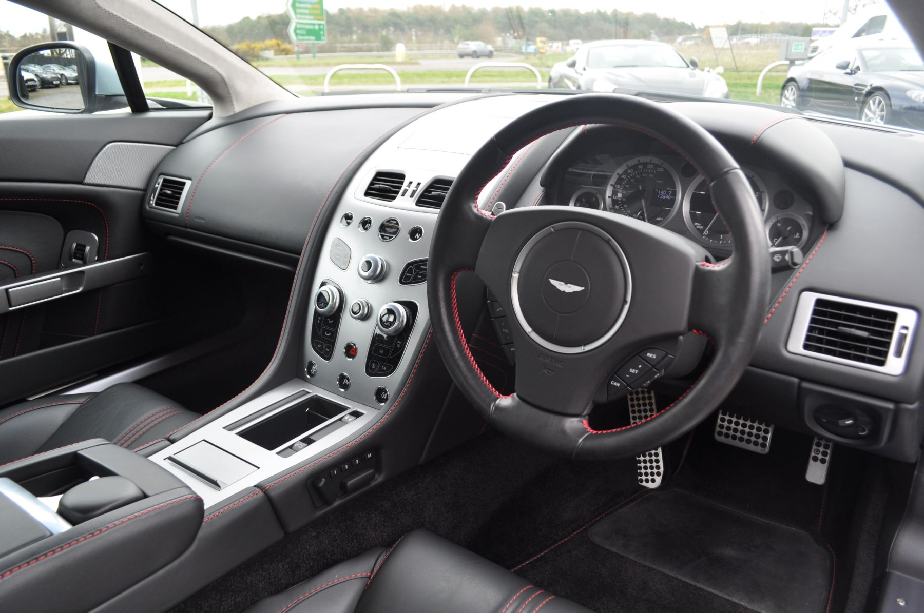 Aston Martin V8 Vantage S Coupe Coupe image 21
