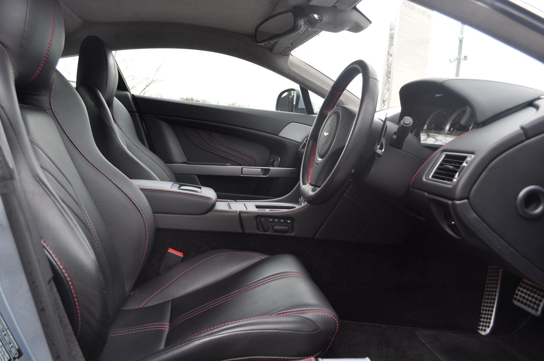 Aston Martin V8 Vantage S Coupe Coupe image 22