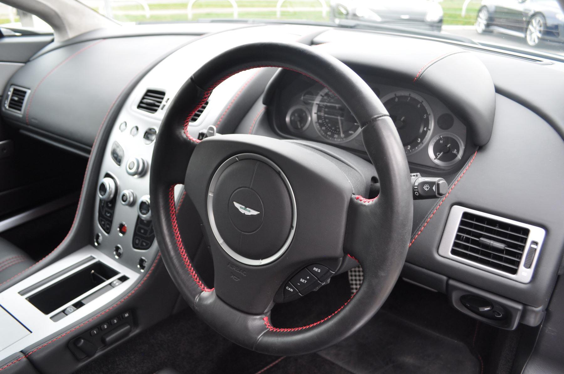 Aston Martin V8 Vantage S Coupe Coupe image 23