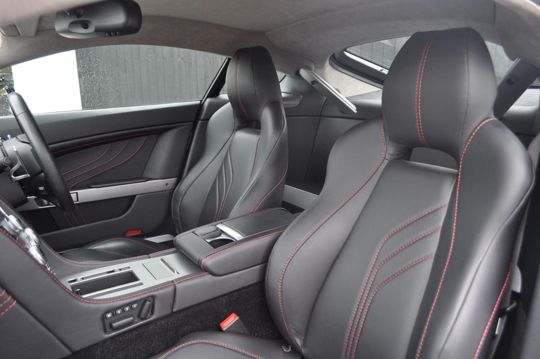 Aston Martin V8 Vantage S Coupe Coupe image 27
