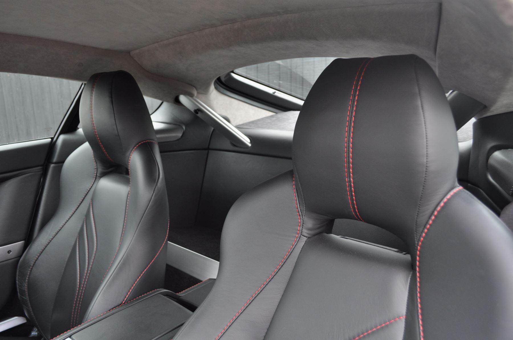 Aston Martin V8 Vantage S Coupe Coupe image 28