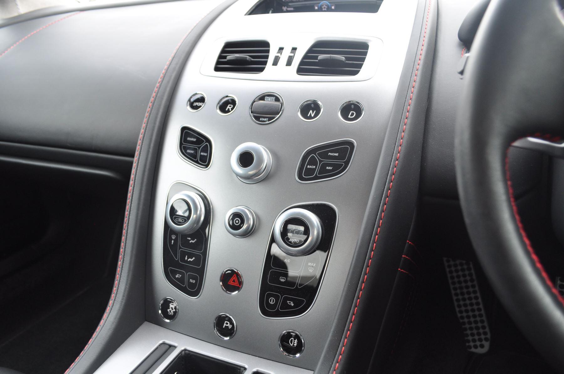 Aston Martin V8 Vantage S Coupe Coupe image 34