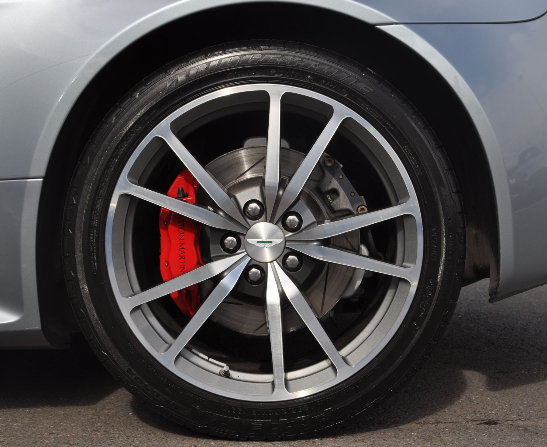 Aston Martin V8 Vantage S Coupe Coupe image 39
